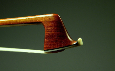 Muzas Viola Bow Right Head Angled